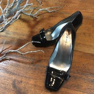Anne Klein patent leather shoe